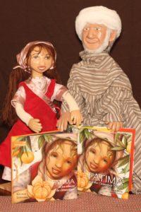Fatima EN et FR livre et marionnettes